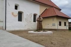 kuharic-spomenik-godisnjica_1